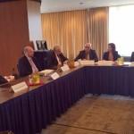 Z patecniho setkani s Vincem Morellim a Derekem Mixem, analytiky Congressional Research Service 4