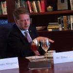 Zacinam stredecnim obedem s prezidentem The Heritage Foundation Jimem DeMintem.3